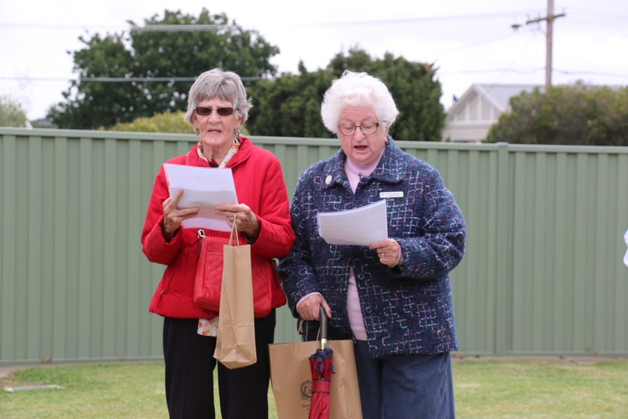 L-r: Sisters Ellen Dunn and Paula Anne O'Connell lead the singing of 'Holy Ground'