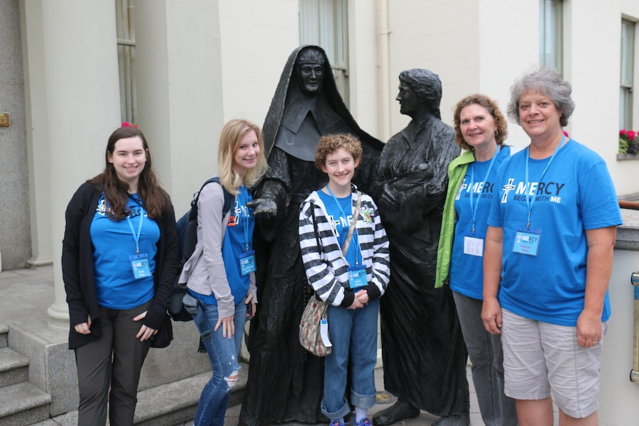 Mount St Mary Academy, Little Rock, Arkansas pilgrim group