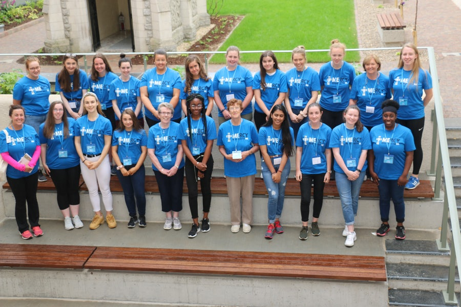 Students and chaperones from the Irish schools