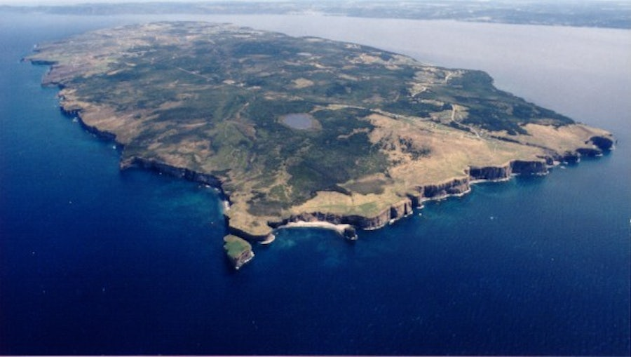 Aerial view of Bell Island. CC BY-SA 3.0, https://commons.wikimedia.org/w/index.php?curid=383102